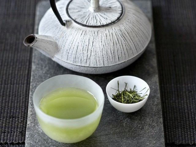 5-surprising-health-benefits-of-green-tea-1780384.640x0c