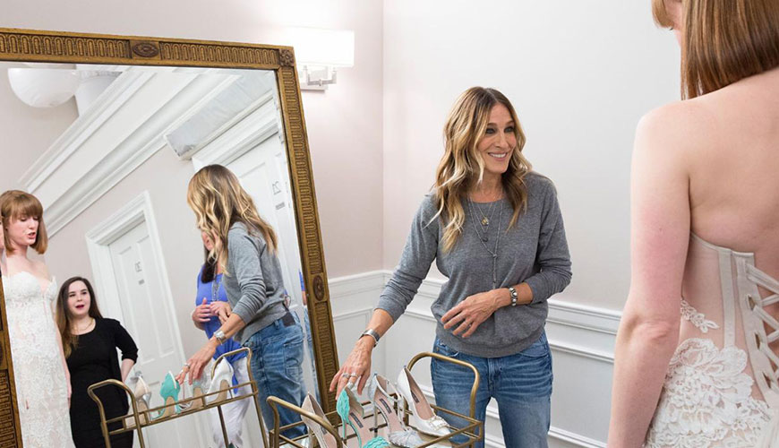 Sarah-Jessica-Parker-Gives-Brides-Shoes