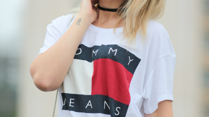 tommy-hilfiger-tee