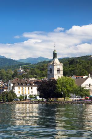 Lake Geneva is free, but the city is eye-wateringly expensive. Tim Graham/Creative Commons