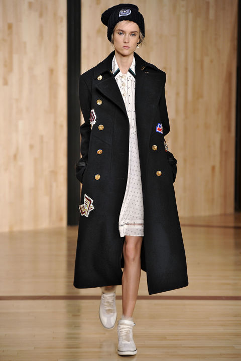 elle-winter-trends-coach-navy-coatgettyimages-511082122