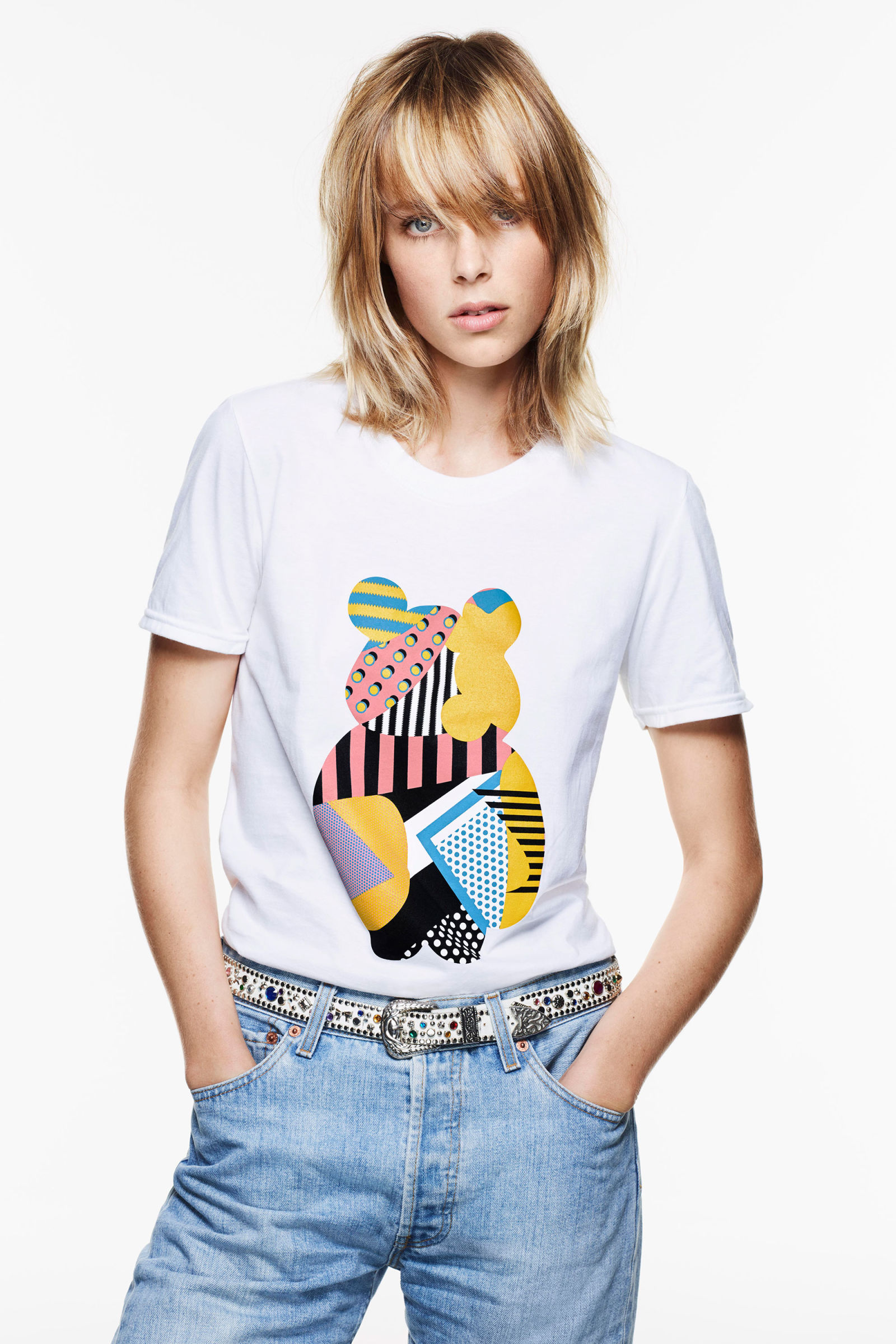 1476884002-syn-hbz-1476869862-edie-campbell-helps-launch-bbc-children-in-need-t-shirt