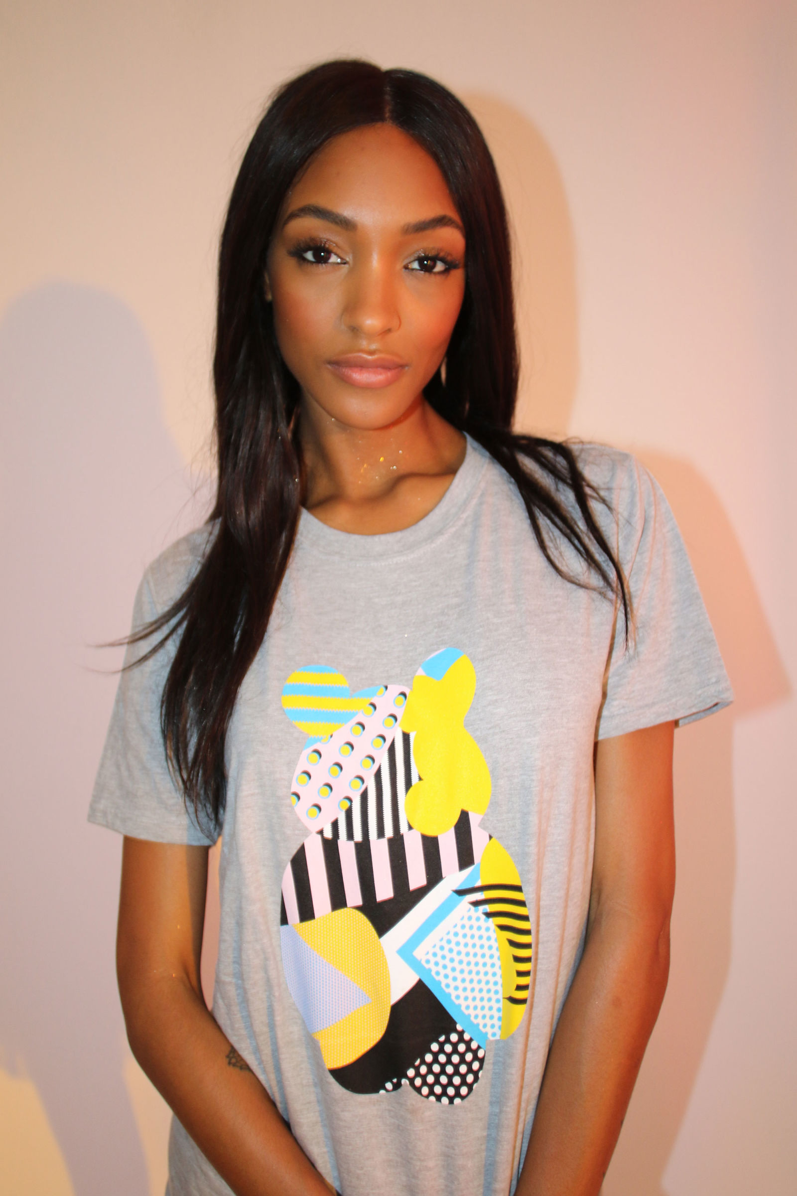 1476884018-syn-hbz-1476869487-jourdan-dunn-is-pictured-in-the-bbc-children-in-need-t-shirt-image-by-katie-grand