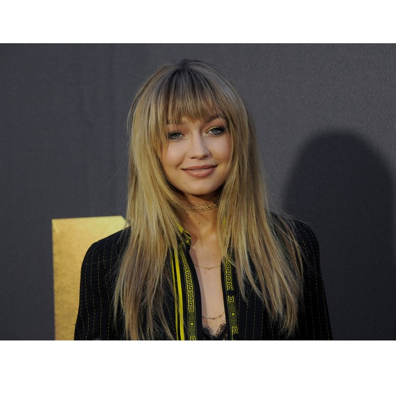 The Best Celebrity Bangs Right Now Fashion Magazine Cometrend