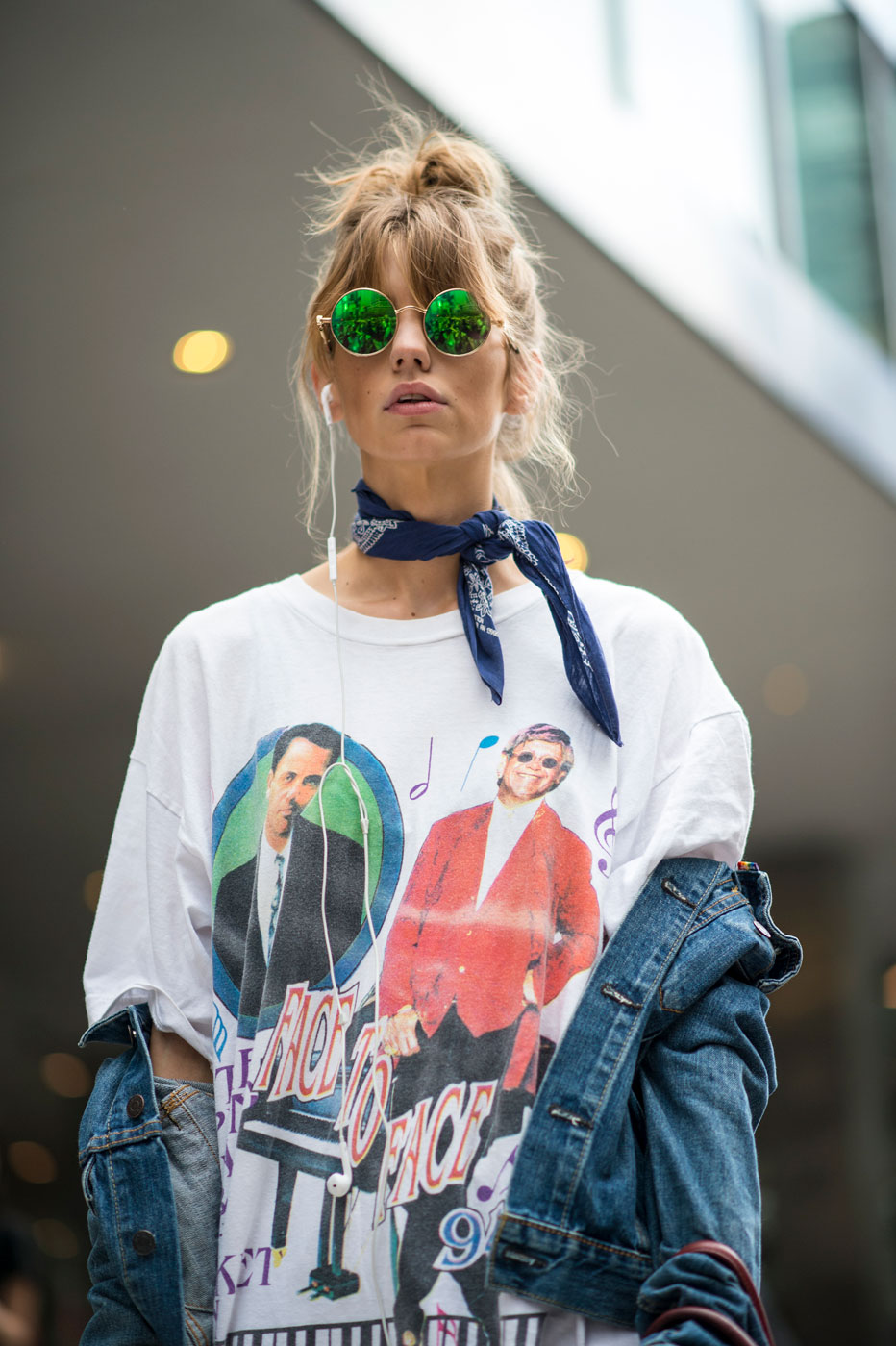how-to-wear-a-graphic-tee-07
