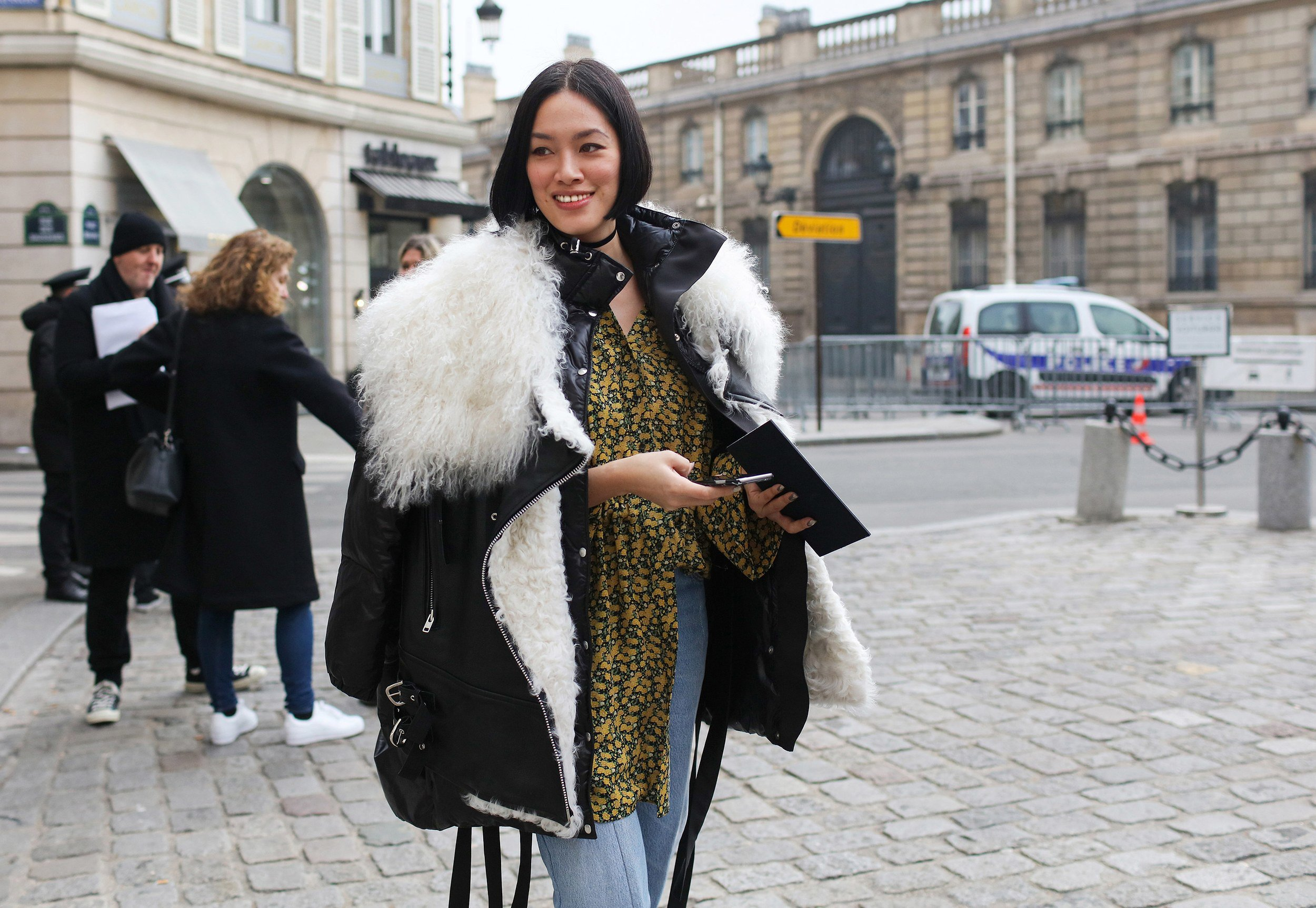 00-holding-places-to-go-in-paris-during-couture