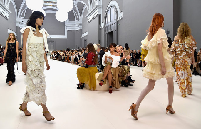 PARIS, FRANCE - SEPTEMBER 29:  Models walk the runway during the Chloe show as part of the Paris Fashion Week Womenswear Spring/Summer 2017  on September 29, 2016 in Paris, France.  (Photo by Pascal Le Segretain/Getty Images)