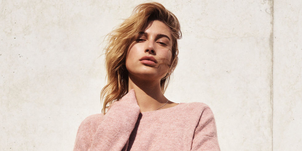 landscape-1485529252-hailey-baldwin-denim-days-hm2