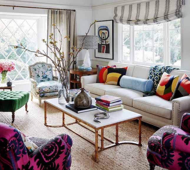ELLE-DECOR-April-17_Minnie-Driver-living-room