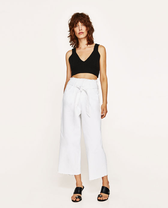Cropped high-waisted jeans with belt, €29.95 at Zara