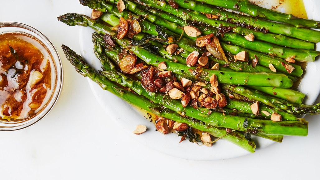 charred-asparagus-with-citrus-bagna-cauda