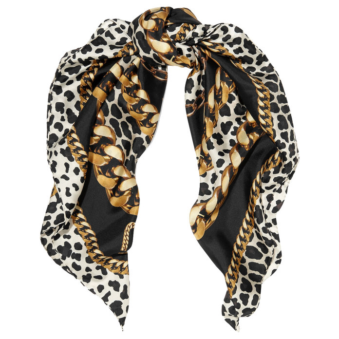 051717-clothes-women-should-own-scarf-embed
