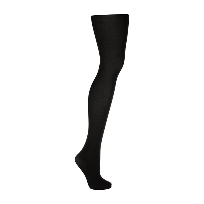 051717-clothes-women-should-own-tights-embed