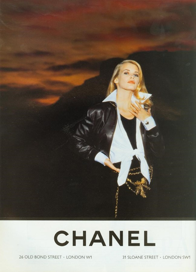 Claudia Schiffer for Chanel (1992)Photography by Karl Lagerfeld