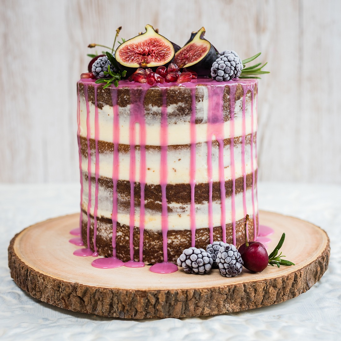 We\'re Drooling Over This Wildly Romantic Drip Layer Cake That\'s ...