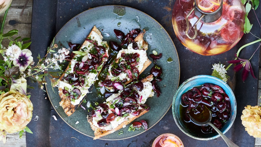 charred-bread-with-ricotta-and-cherry-salsa