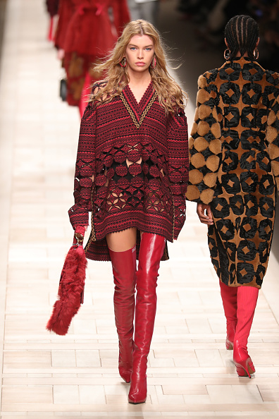 MILAN, ITALY - FEBRUARY 23:  A model walks the runway at the Fendi show during Milan Fashion Week Fall/Winter 2017/18 on February 23, 2017 in Milan, Italy.  (Photo by Antonio de Moraes Barros Filho/WireImage)