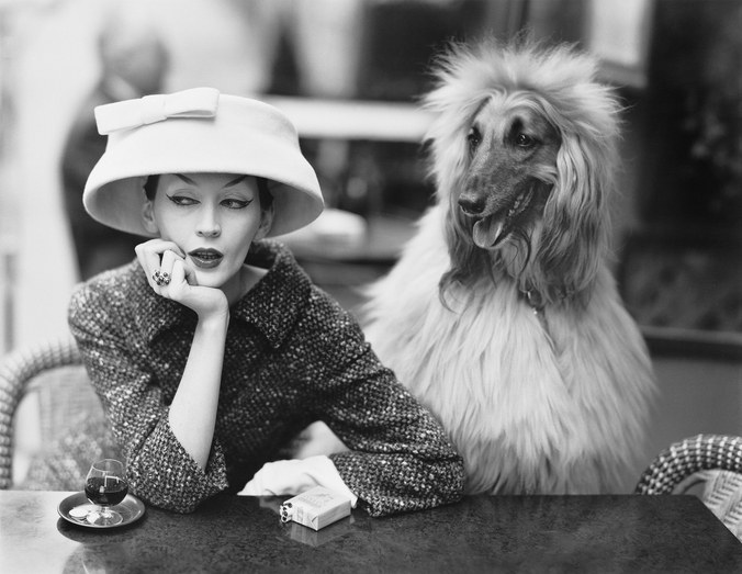 Photo by Richard Avedon. Dovima in cloche and suit by Balenciaga, 1955