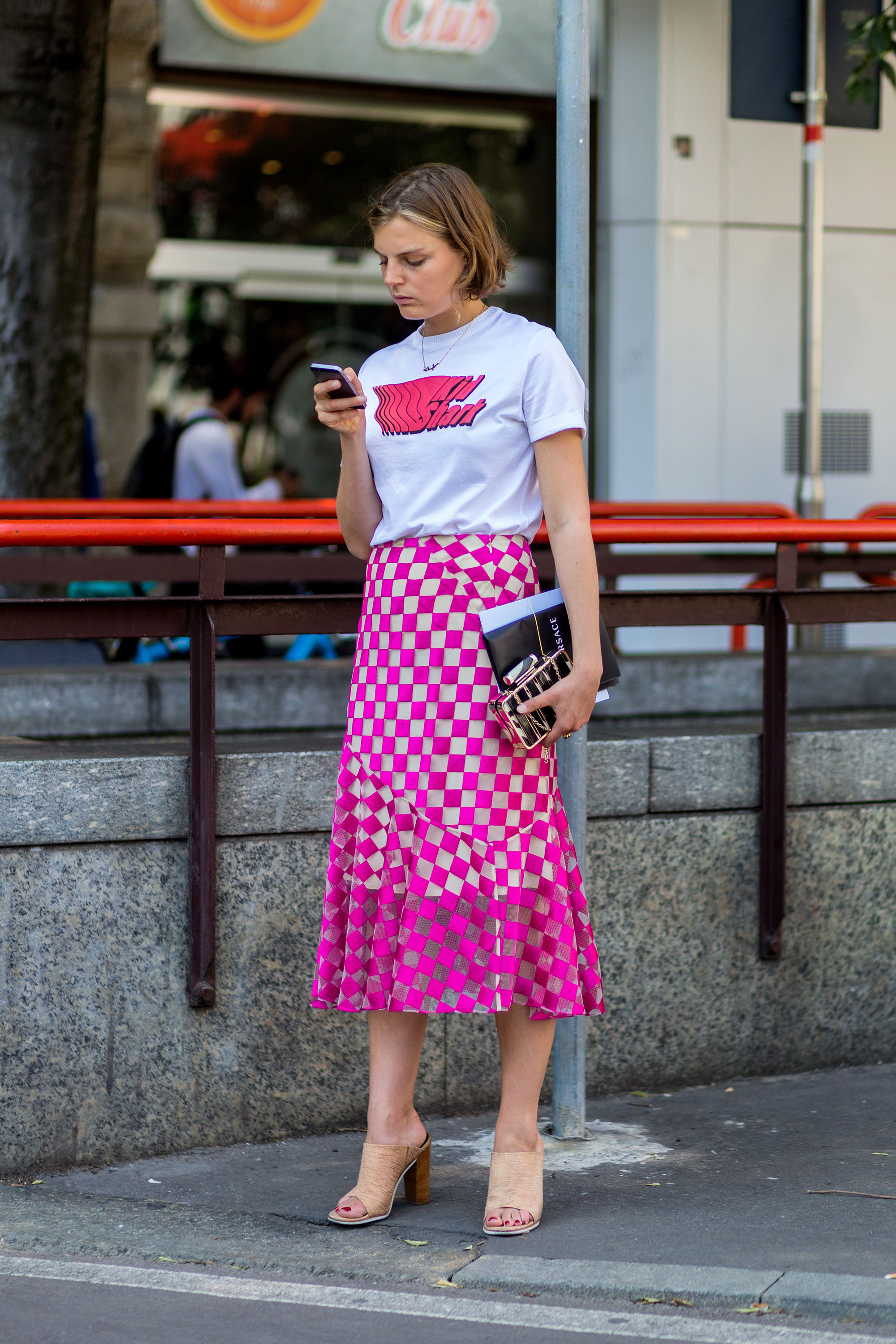 MILAN, ITALY - JUNE 18: Claire Beermann outside Jil Sander during the Milan Men's Fashion Week Spring/Summer 2017 on June 18, 2016 in Milan, Italy. (Photo by Christian Vierig/Getty Images)