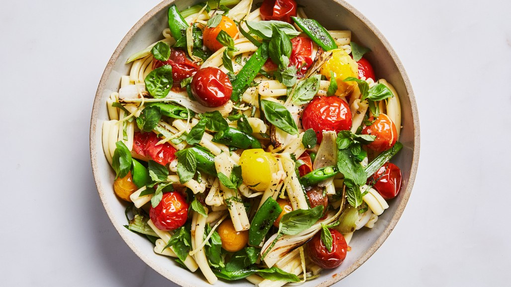 pasta-salad-with-spring-vegetables-and-tomatoes