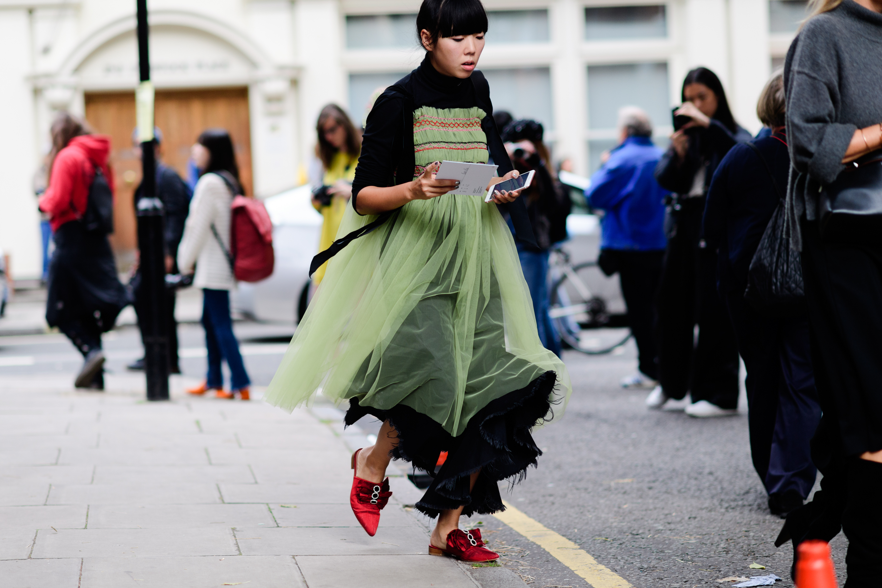london-lfw-street-style-ss18-day-1-tyler-joe-011-1505753321