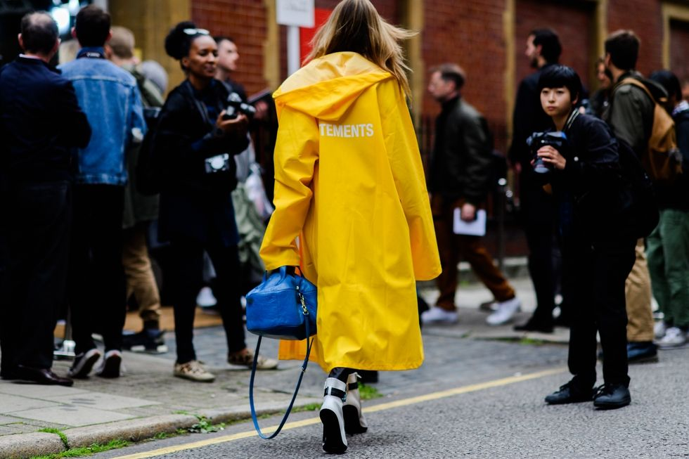 london-lfw-street-style-ss18-day-1-tyler-joe-040-1505753317