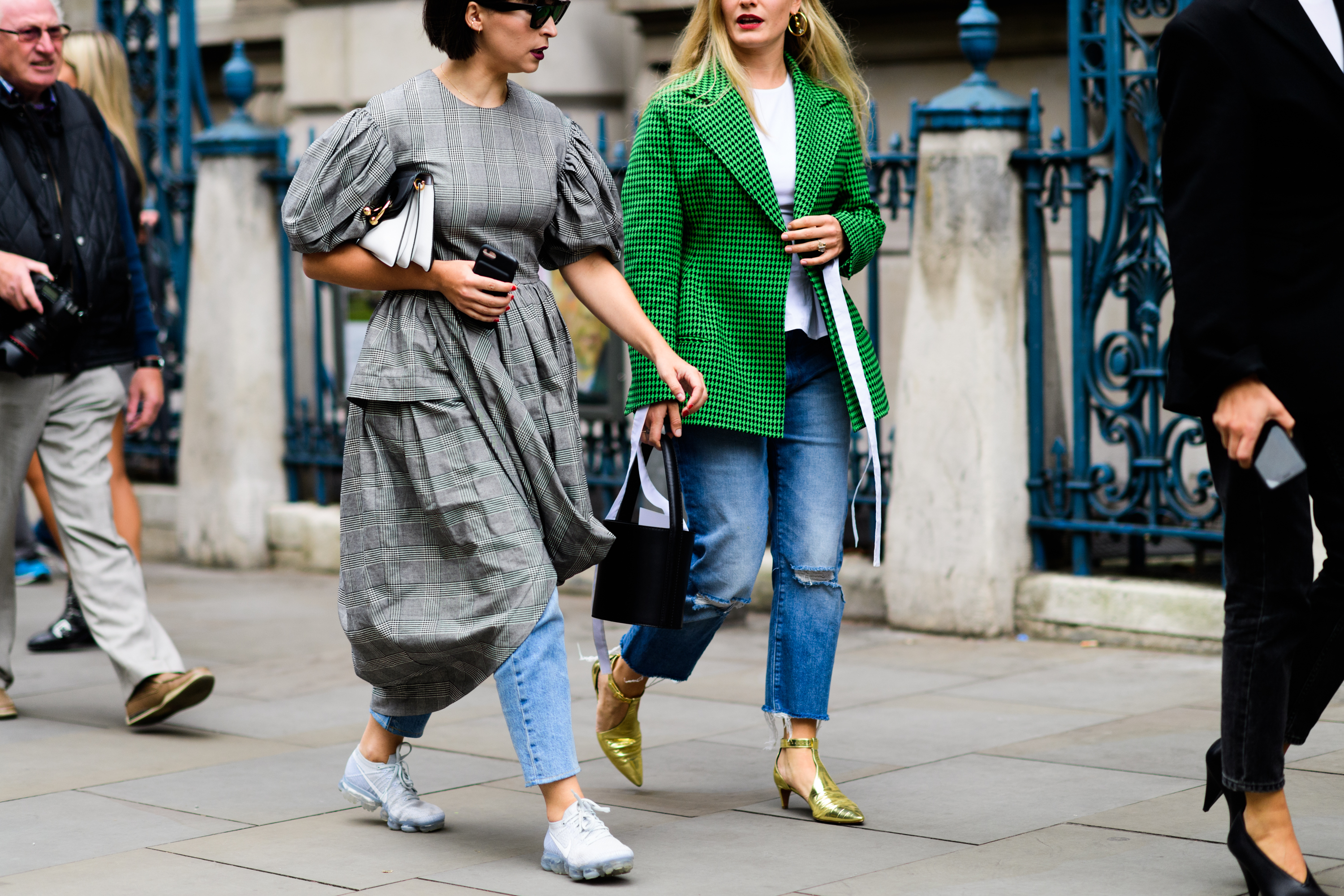 london-lfw-street-style-ss18-day-1-tyler-joe-077-1505753315