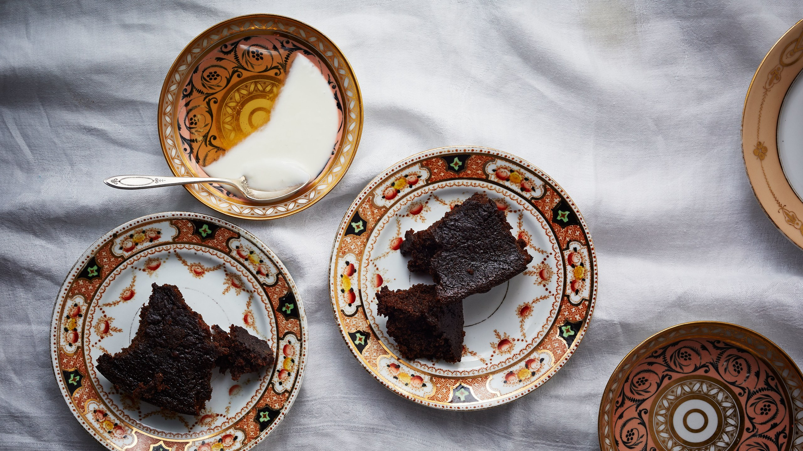 dark-ginger-rye-cake-with-yogurt-and-honey