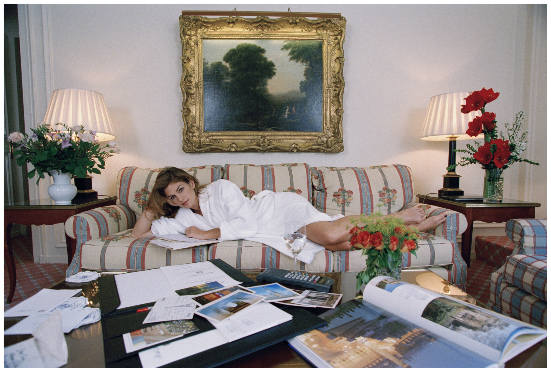 October 1995, Paris, France --- Day in the Life of Cindy Crawford --- Image by © Christian Simonpietri/Sygma/Corbis
