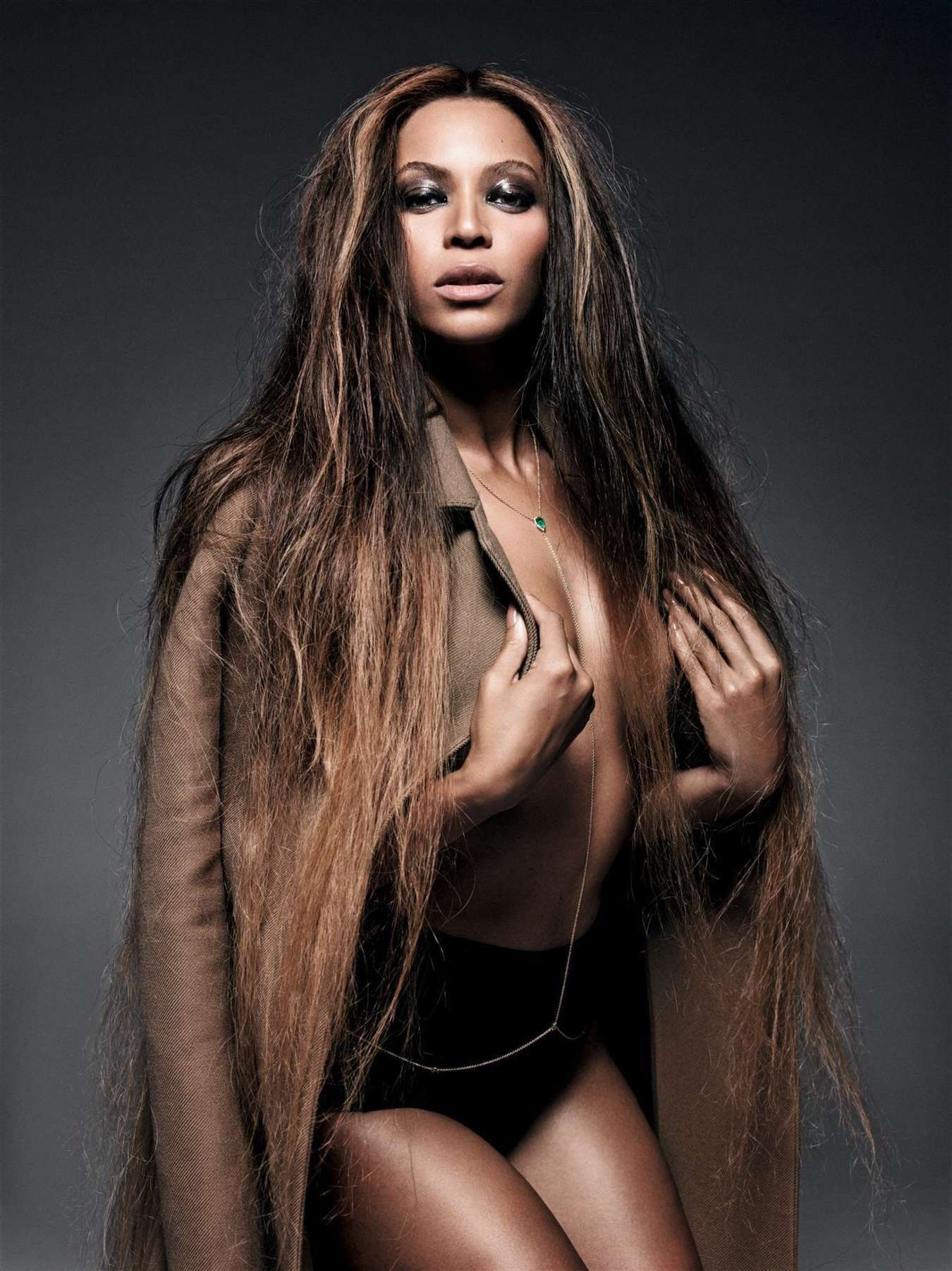 beyonce-cr-fashion-book-2014-2015-07-1514997564