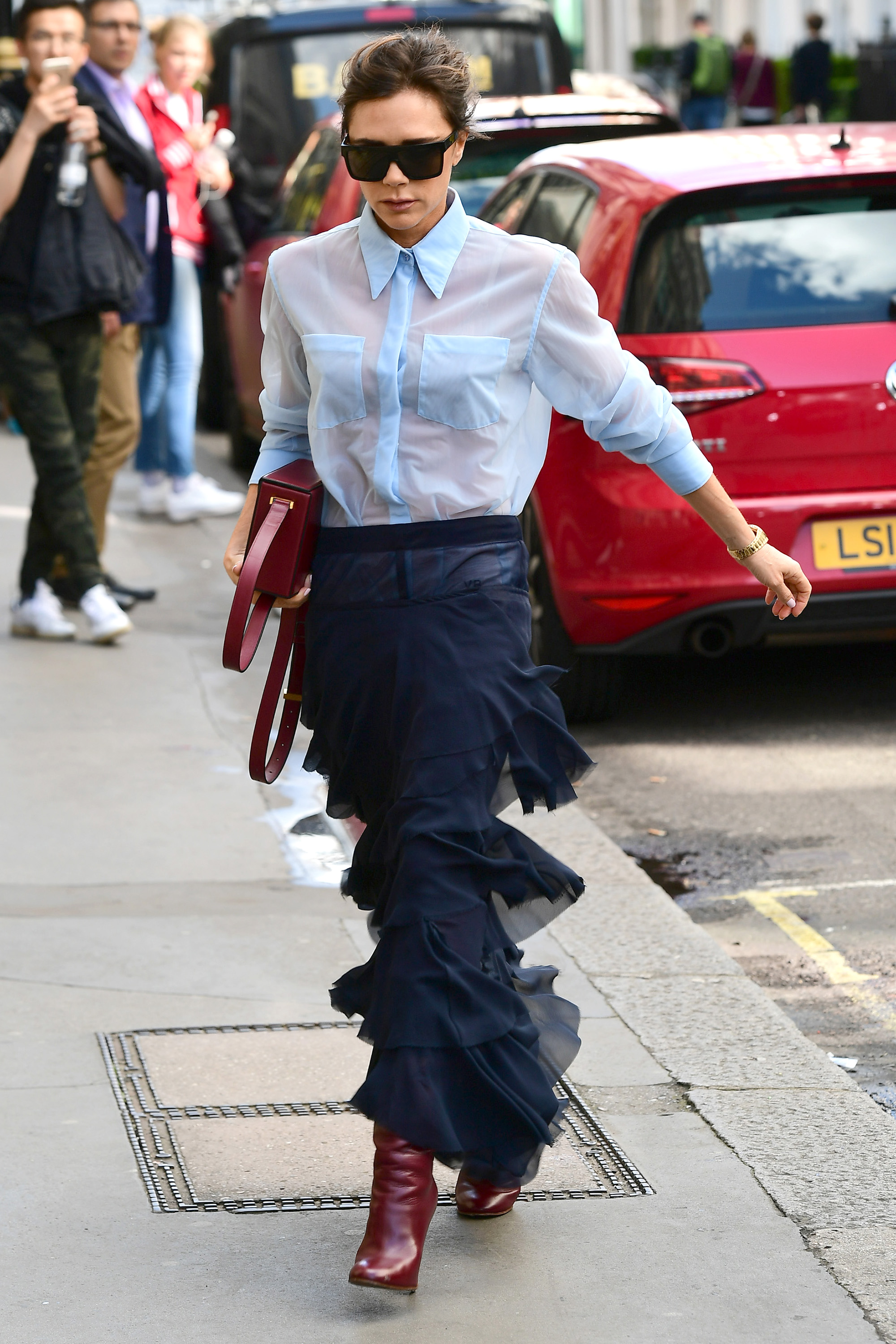 Victoria Beckham arrives at the Victoria Beckham shop in London  Pictured: Victoria Beckham Ref: SPL1583794  220917   Picture by: Max Tollworthy / Splash News  Splash News and Pictures Los Angeles:310-821-2666 New York:212-619-2666 London:870-934-2666 photodesk@splashnews.com