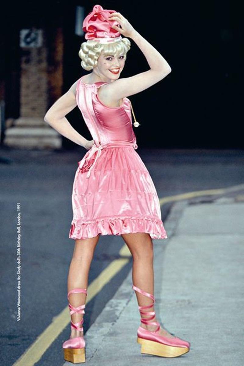 9956668ab8b7 miumiu – Fashion Magazine – Cometrend