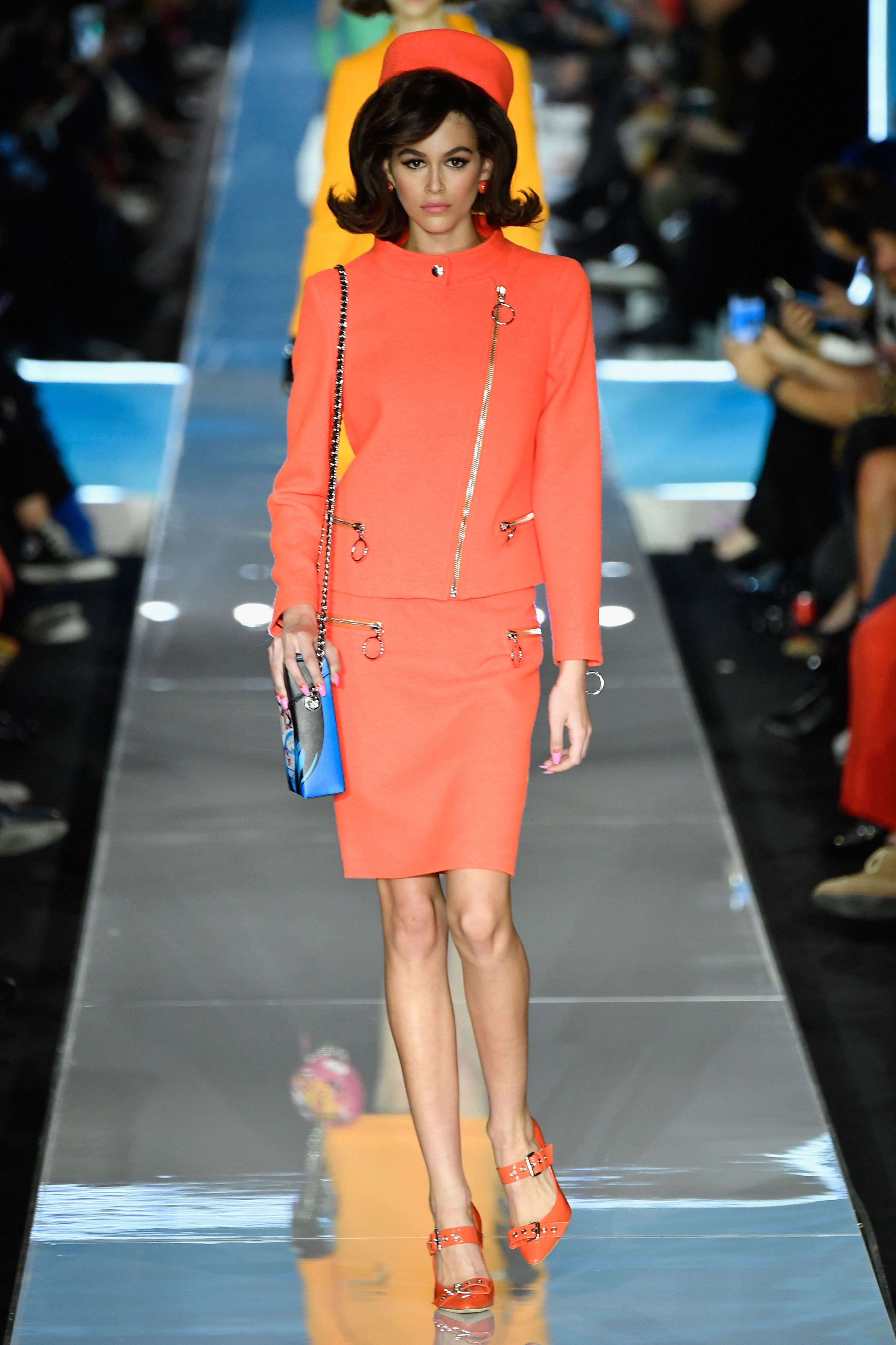 A Parade of Jackie Kennedy Clones Walked The Runway at Moschino