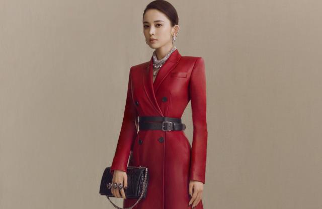 028b1114e88 Alexander McQueen – Fashion Magazine – Cometrend